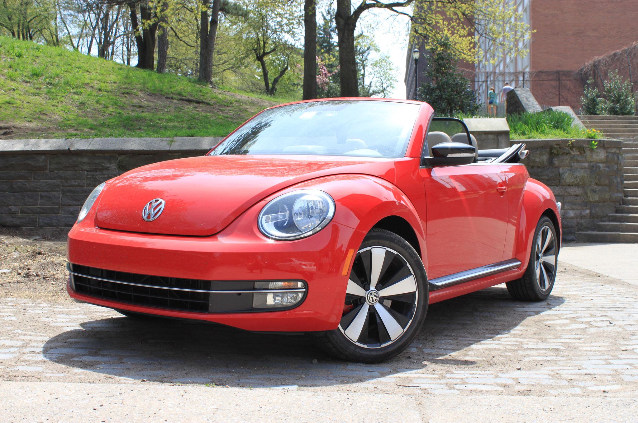 2013 Volkswagen Beetle Turbo Convertible Front Left View1