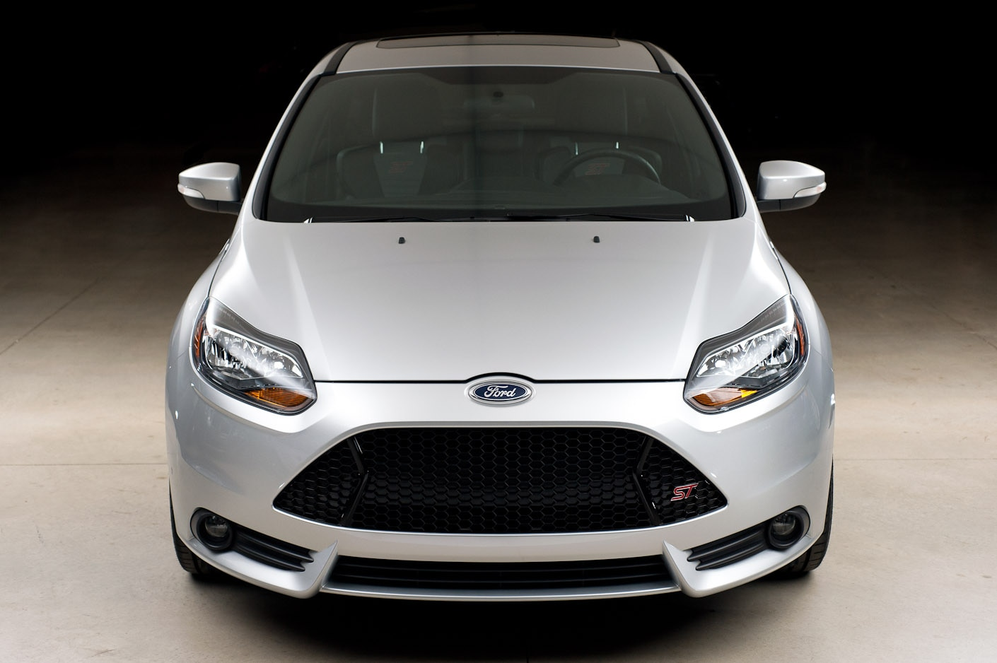 2013 Ford Focus St Front View1