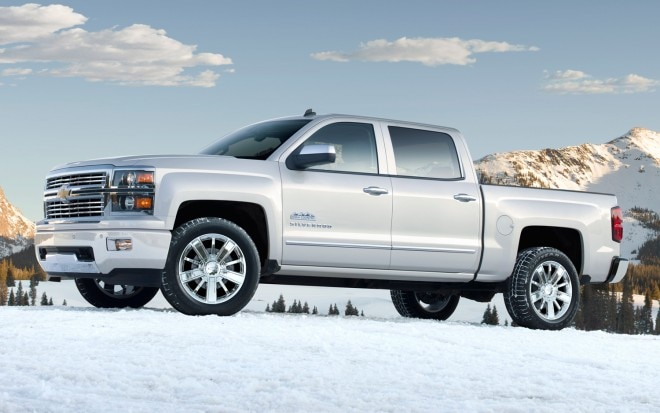 2014 Chevrolet Silverado High Country Side Three Quarters View1 660x413