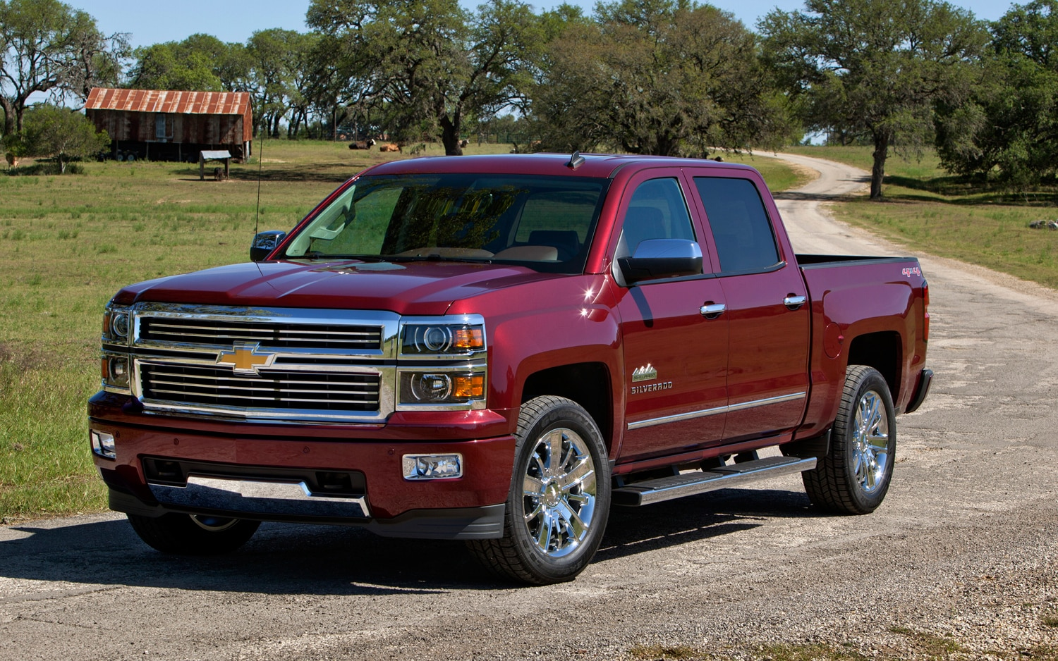 2014 Chevrolet Silverado High Country Front1