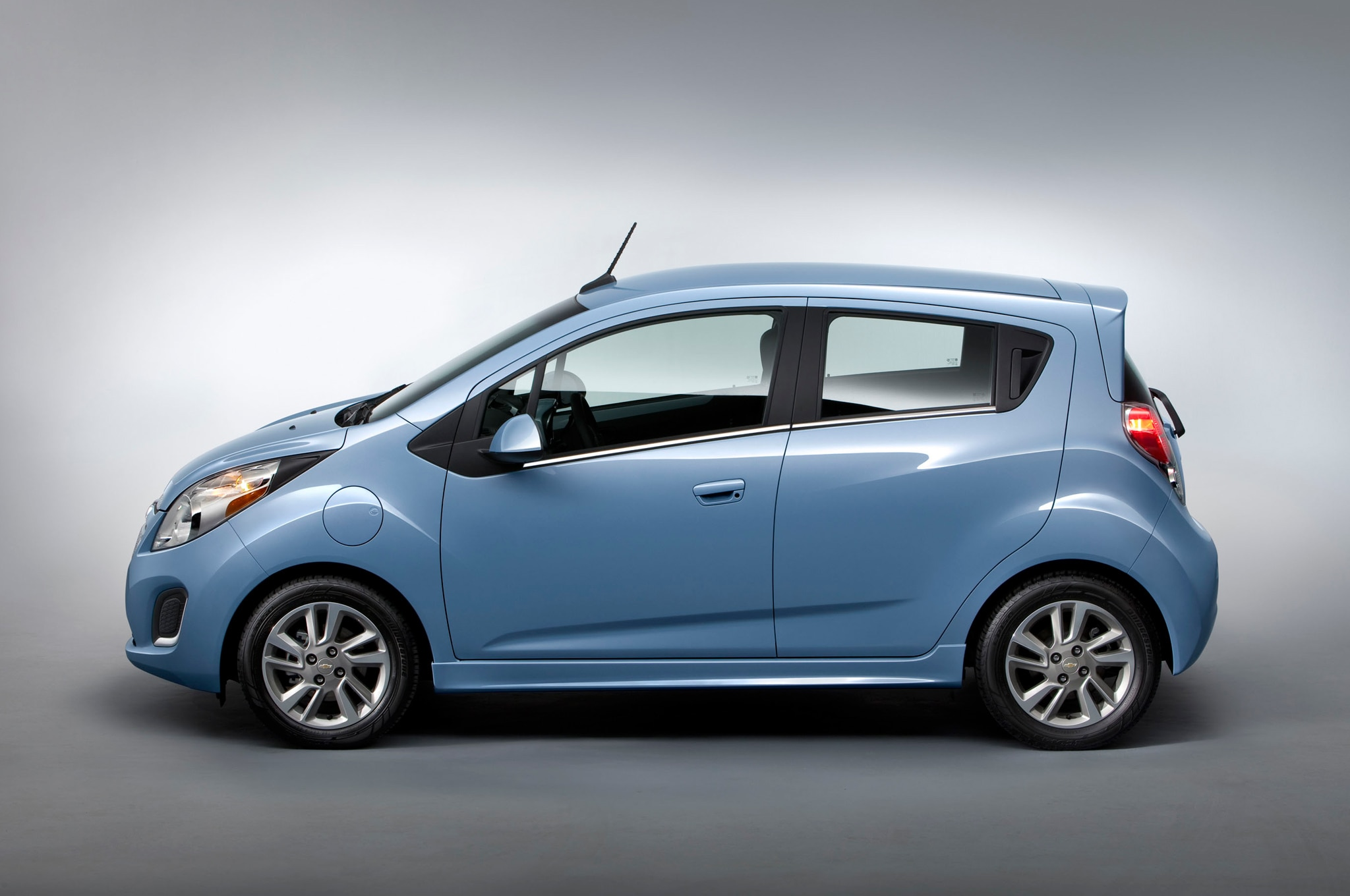 2014 Chevrolet Spark EV Left Side 11