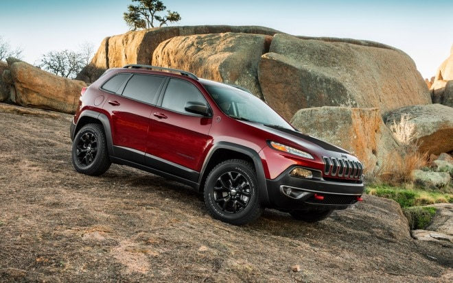 2014 Jeep Cherokee Trailhawk Front Three Quarter1 660x413