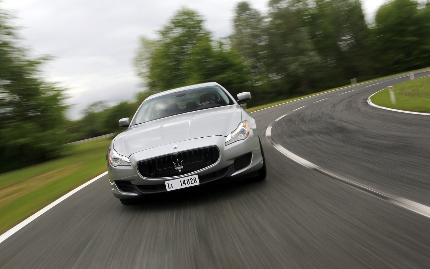 2014 Maserati Quattroporte Q4 Front End In Motion 31