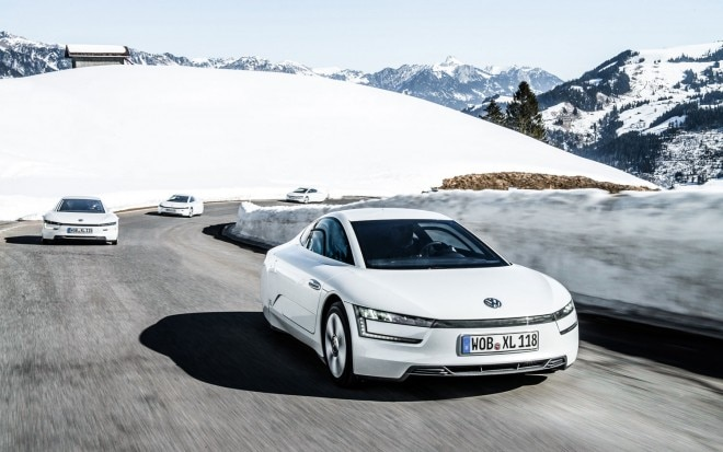 2014 Volkswagen XL1 Front Right View 21 660x413