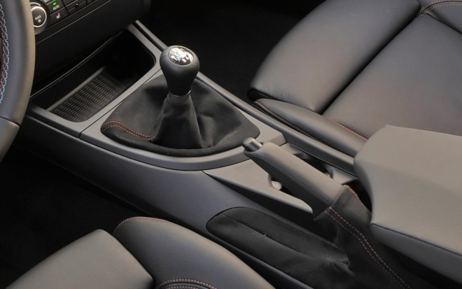 BMW 1 Series M Coupe Gearshift And Handbrake Levers1 660x413
