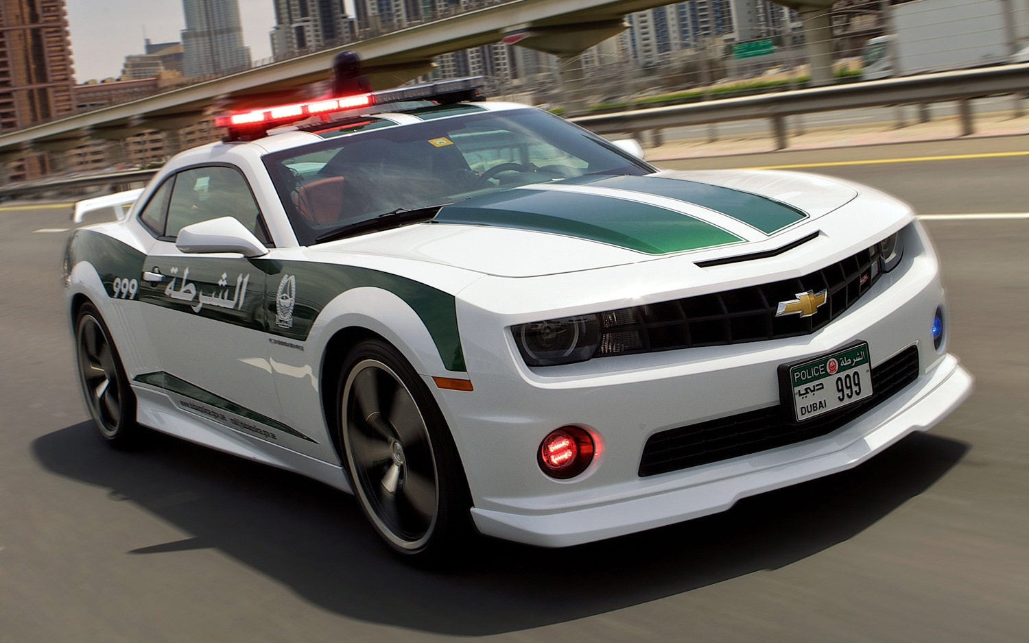 Chevrolet Camaro SS Dubai Police Car Front Three Quarters View1