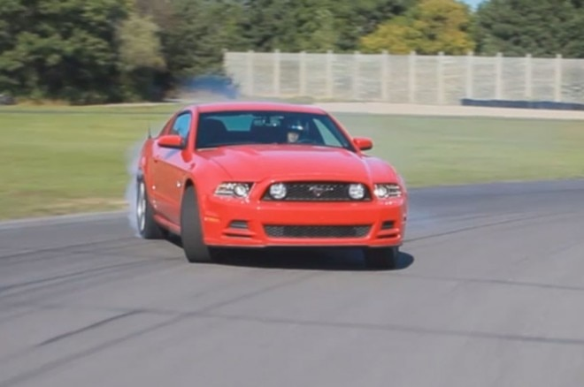Ford Mustang Drifting Red 21 660x438
