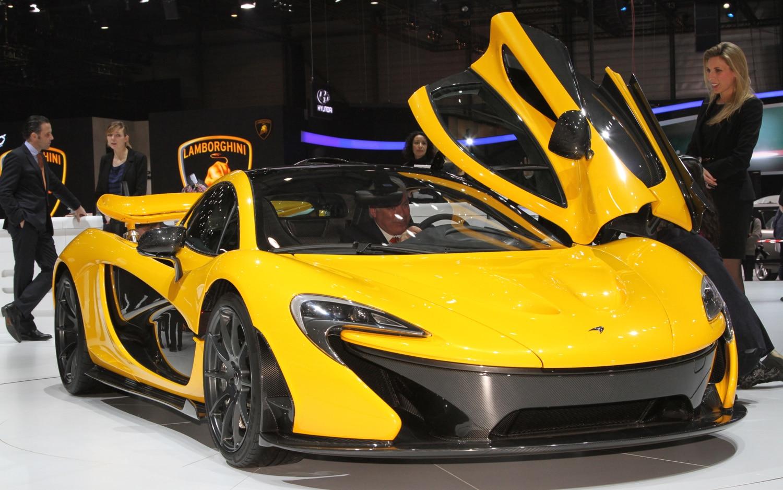 McLaren P1 Front Three Quarter1