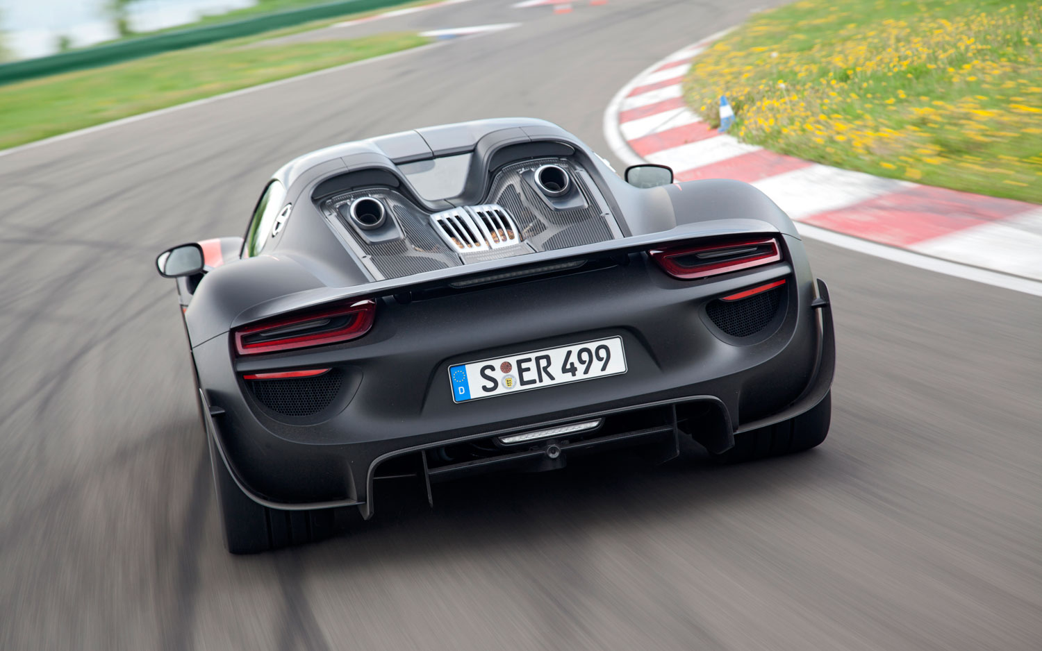 porsche 918 spyder first drive automobile magazine. Black Bedroom Furniture Sets. Home Design Ideas