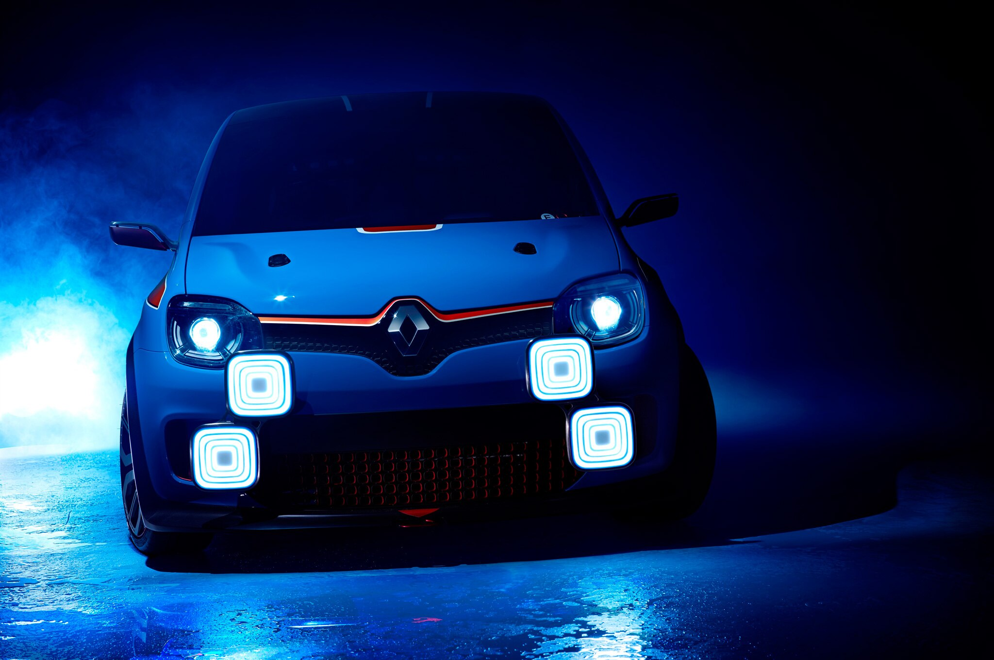 Renault TwinRun Concept Front View In Studio1
