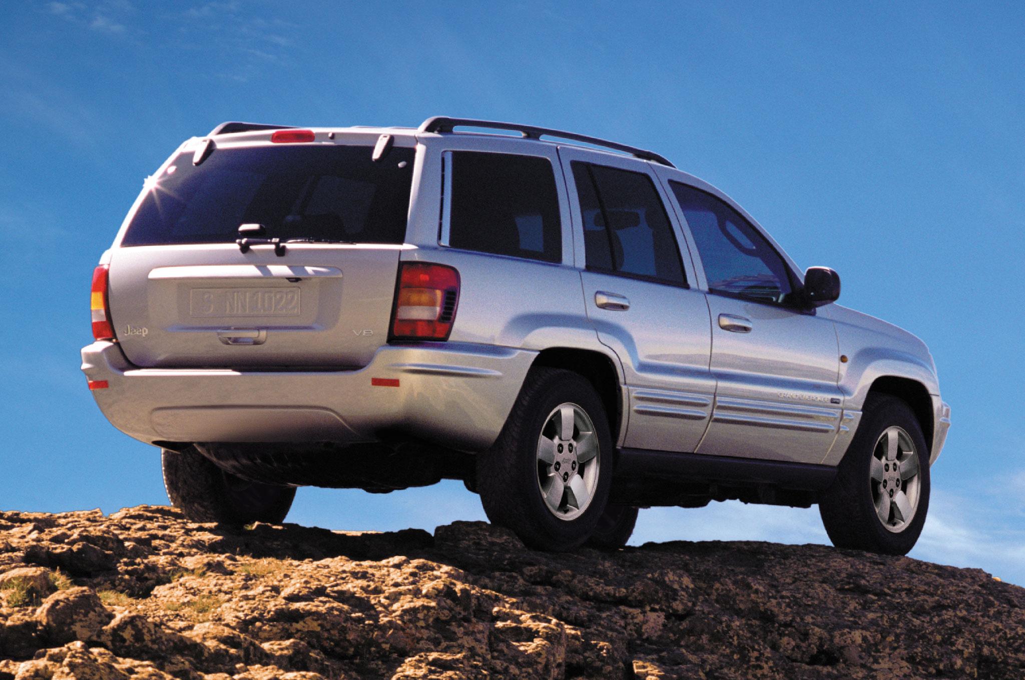 2004 Jeep Grand Cherokee Rear View11
