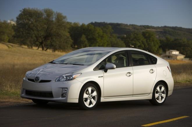 2010 Toyota Prius Front Three Quarter1 660x438