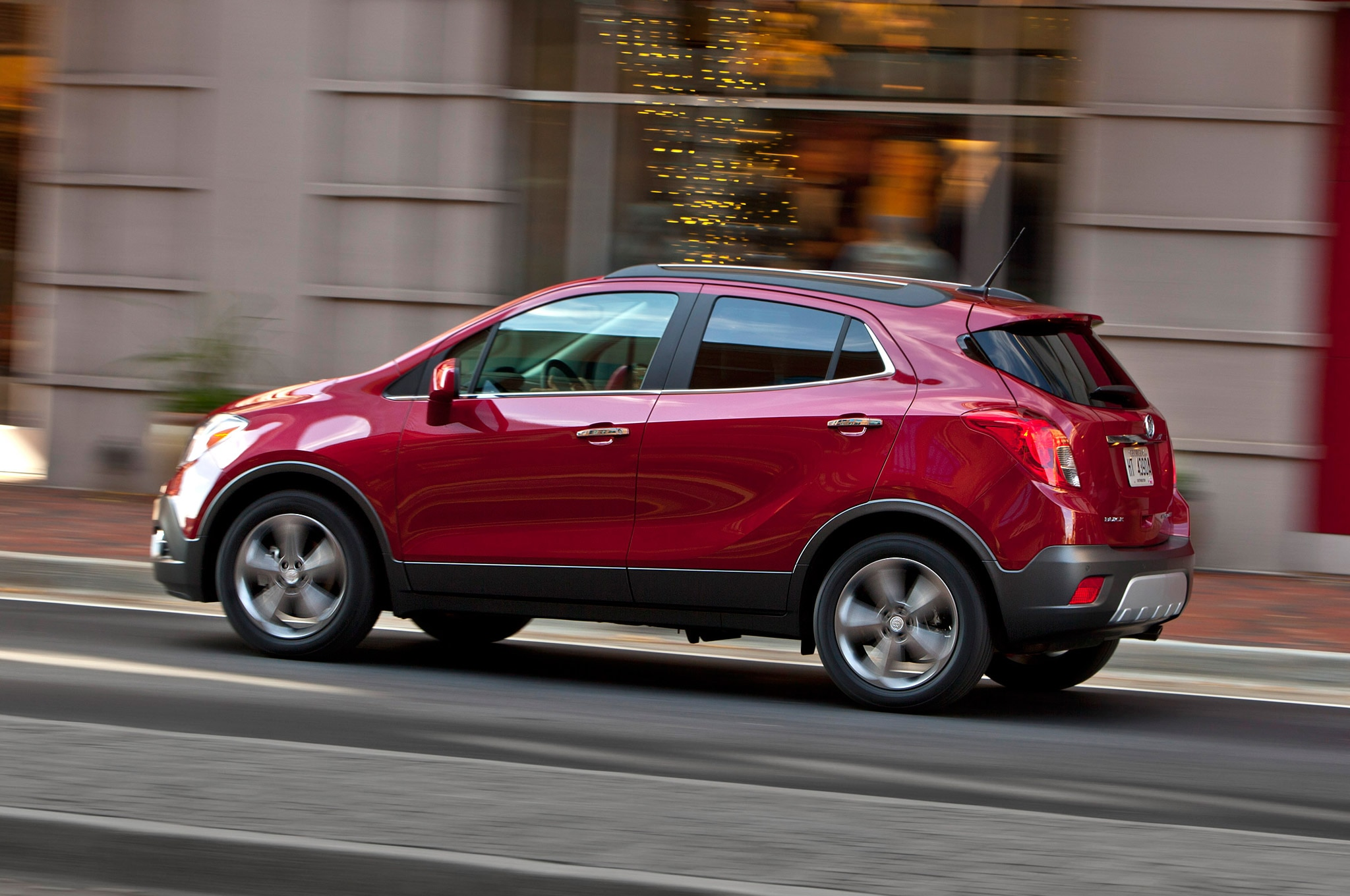 2013 buick encore named iihs top safety pick. Black Bedroom Furniture Sets. Home Design Ideas