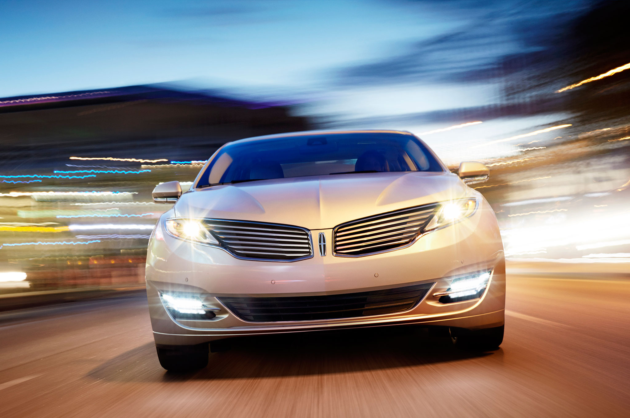 2013 Lincoln MKZ Hybrid Front View1