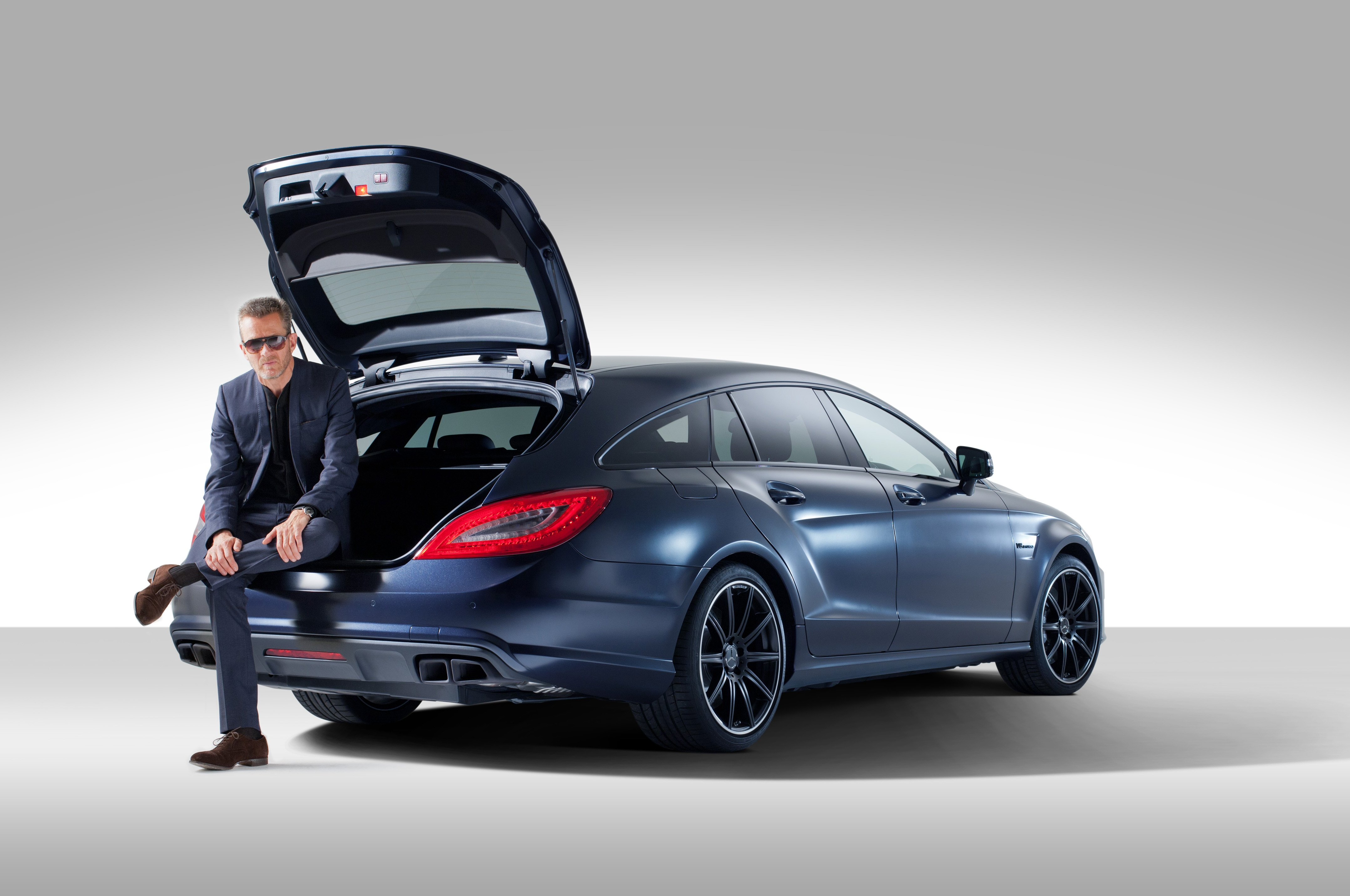 mercedes benz cls63 amg shooting break by spencer hart. Black Bedroom Furniture Sets. Home Design Ideas