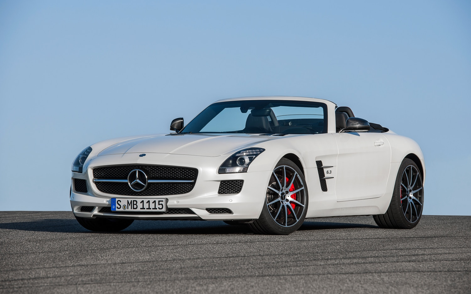 Caught baby mercedes benz sls amg testing for Mercedes benz slr amg price