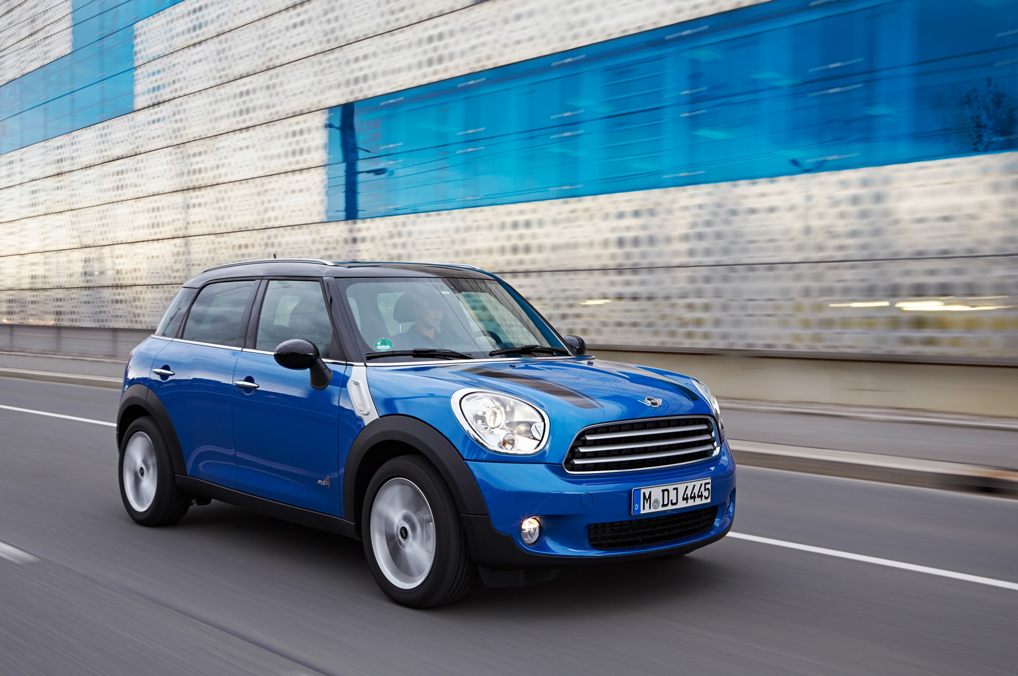 2013 Mini Cooper Countryman All4 Front Three Quarter In Motion1