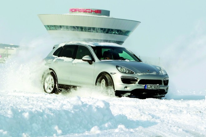 2013 Porsche Cayenne S In Snow At Leipzig1 660x438