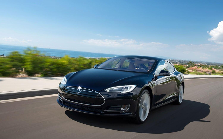 2013 Tesla Model S Front Left Side111