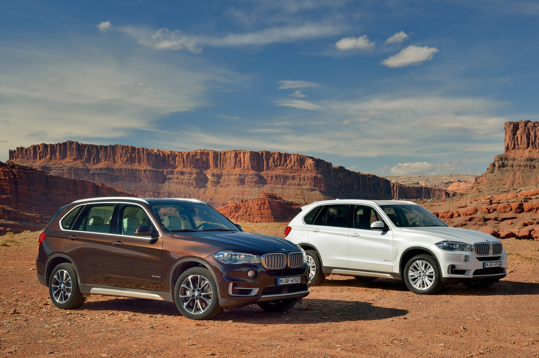 2014 BMW X5 Front Three Quarter Pair1
