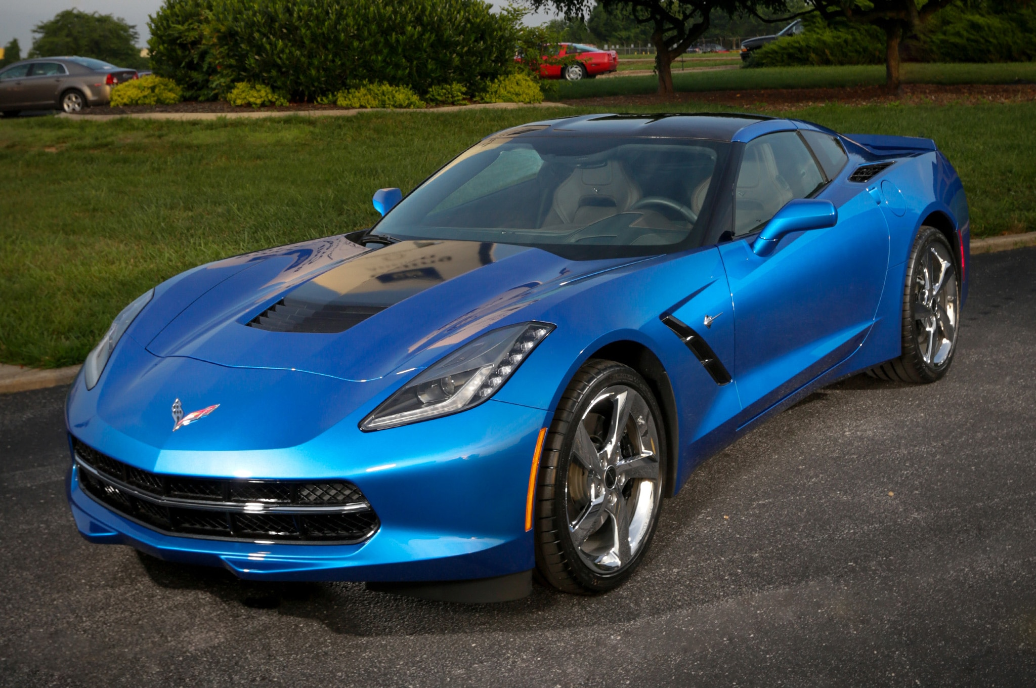 2014 Chevrolet Corvette Stingray Premiere Edition Front Three Quarters View1