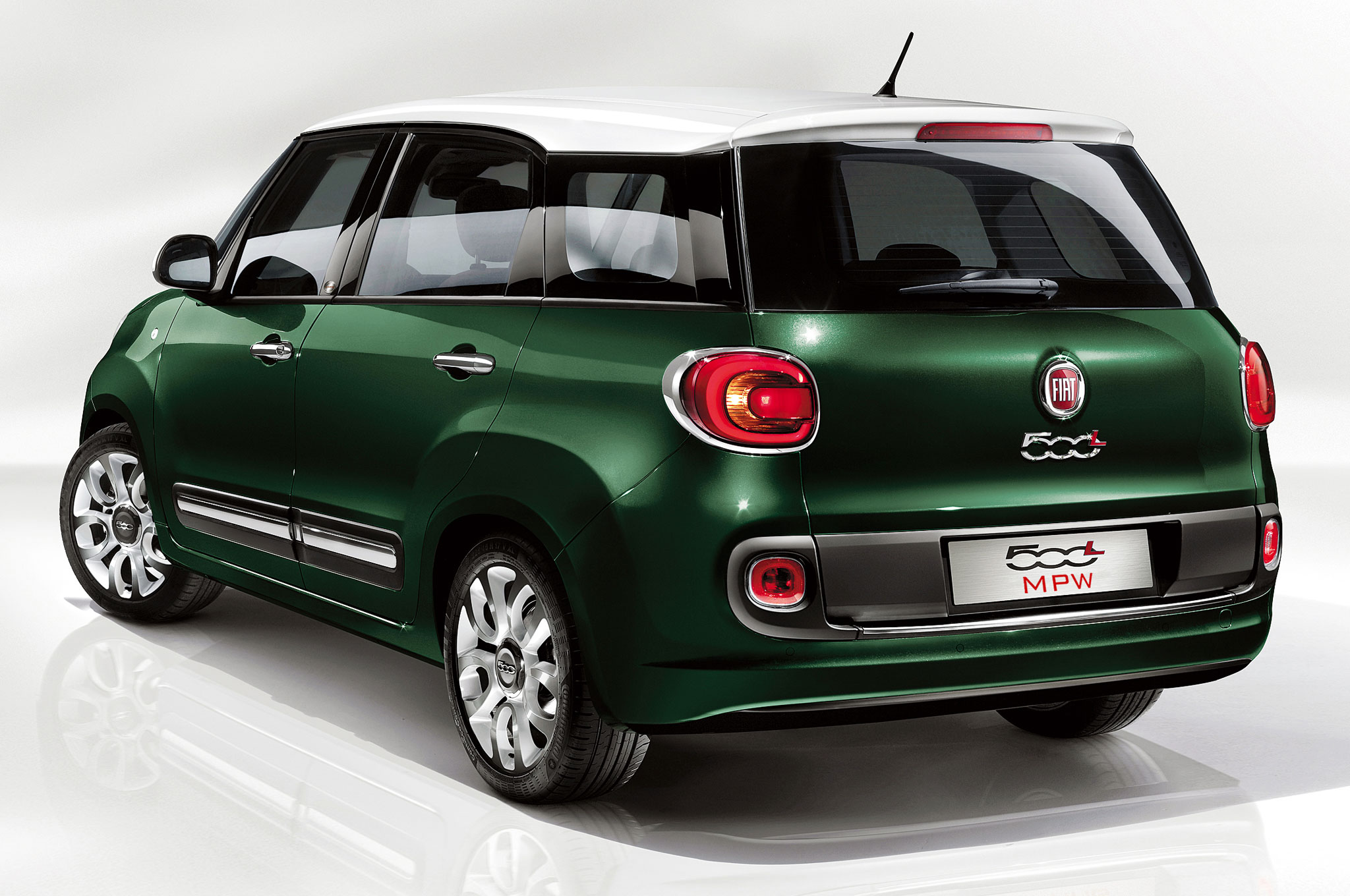 2014 Fiat 500L Living Rear Three Quarter1