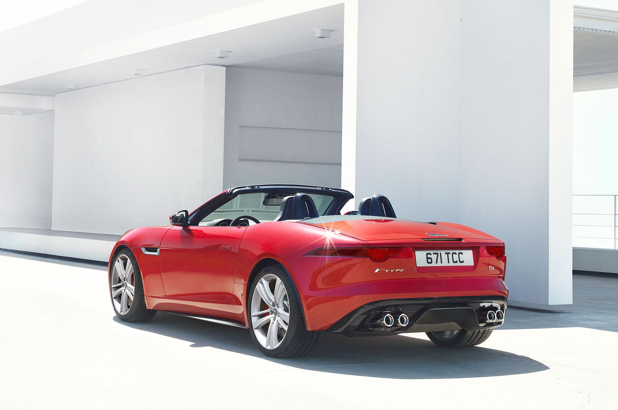 2014 Jaguar F Type Red Left Rear1