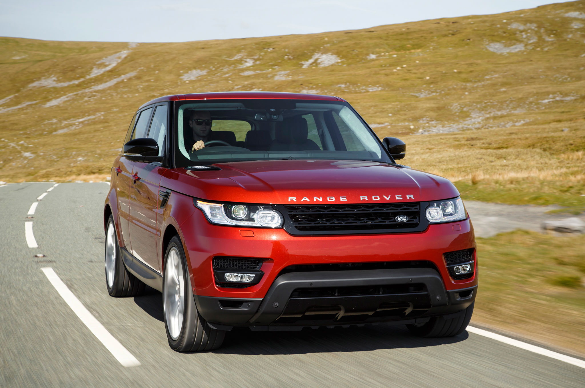 2014 Land Rover Range Rover Sport V8 Supercharged Front Right View1