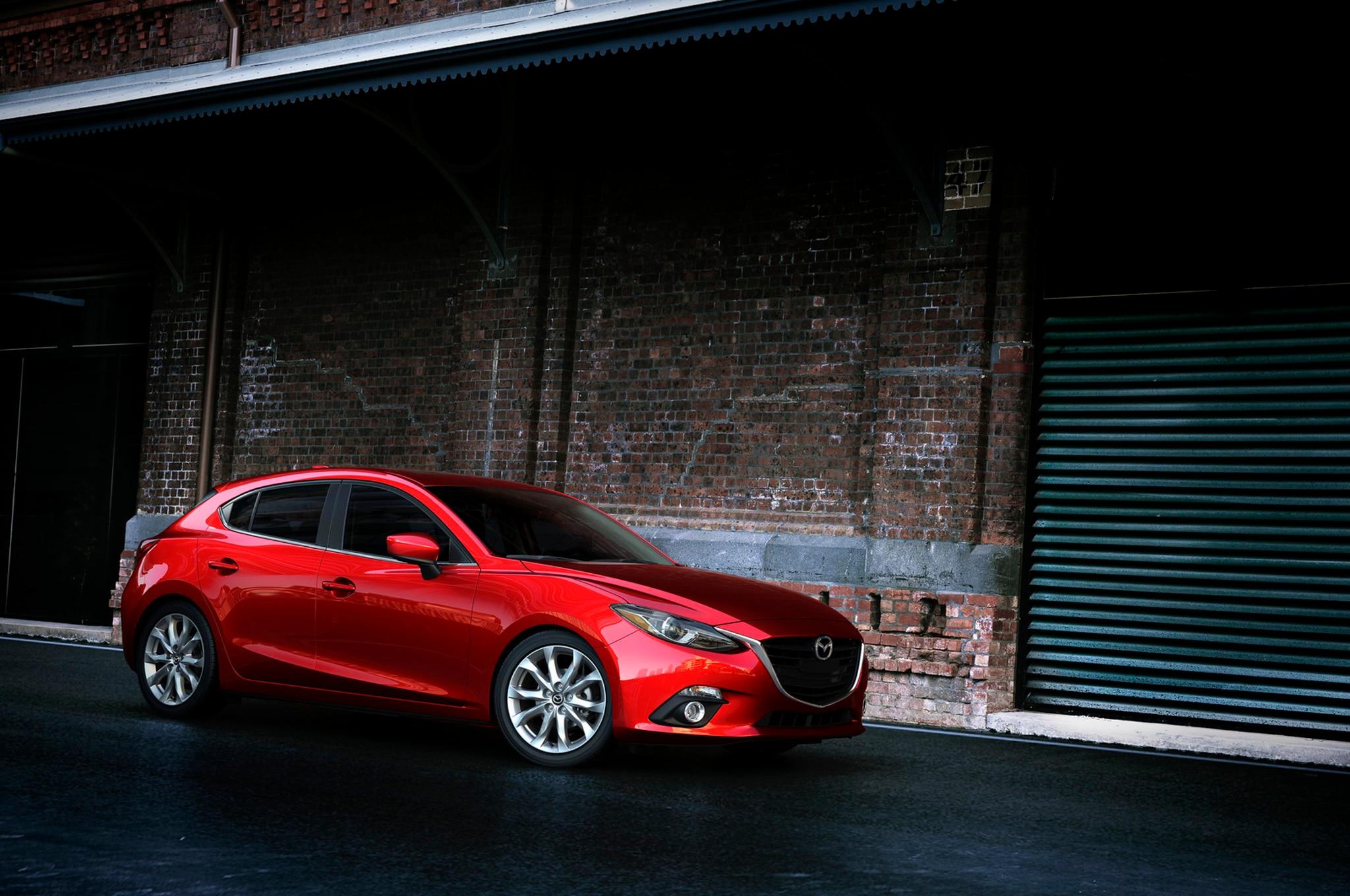 2014 Mazda 3 Front Three Quarter 11