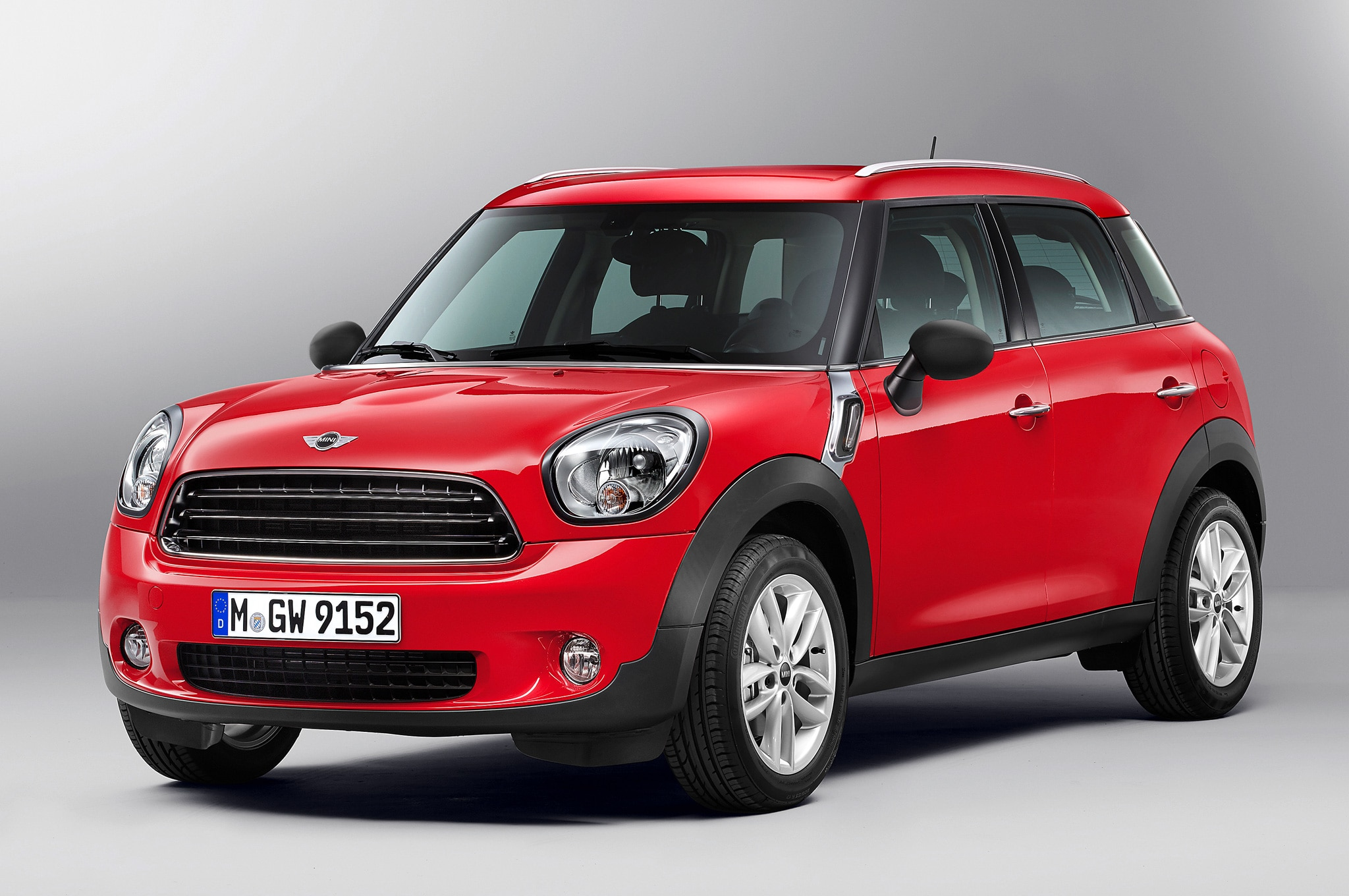 2014 Mini Countryman Front Three Quarters View1