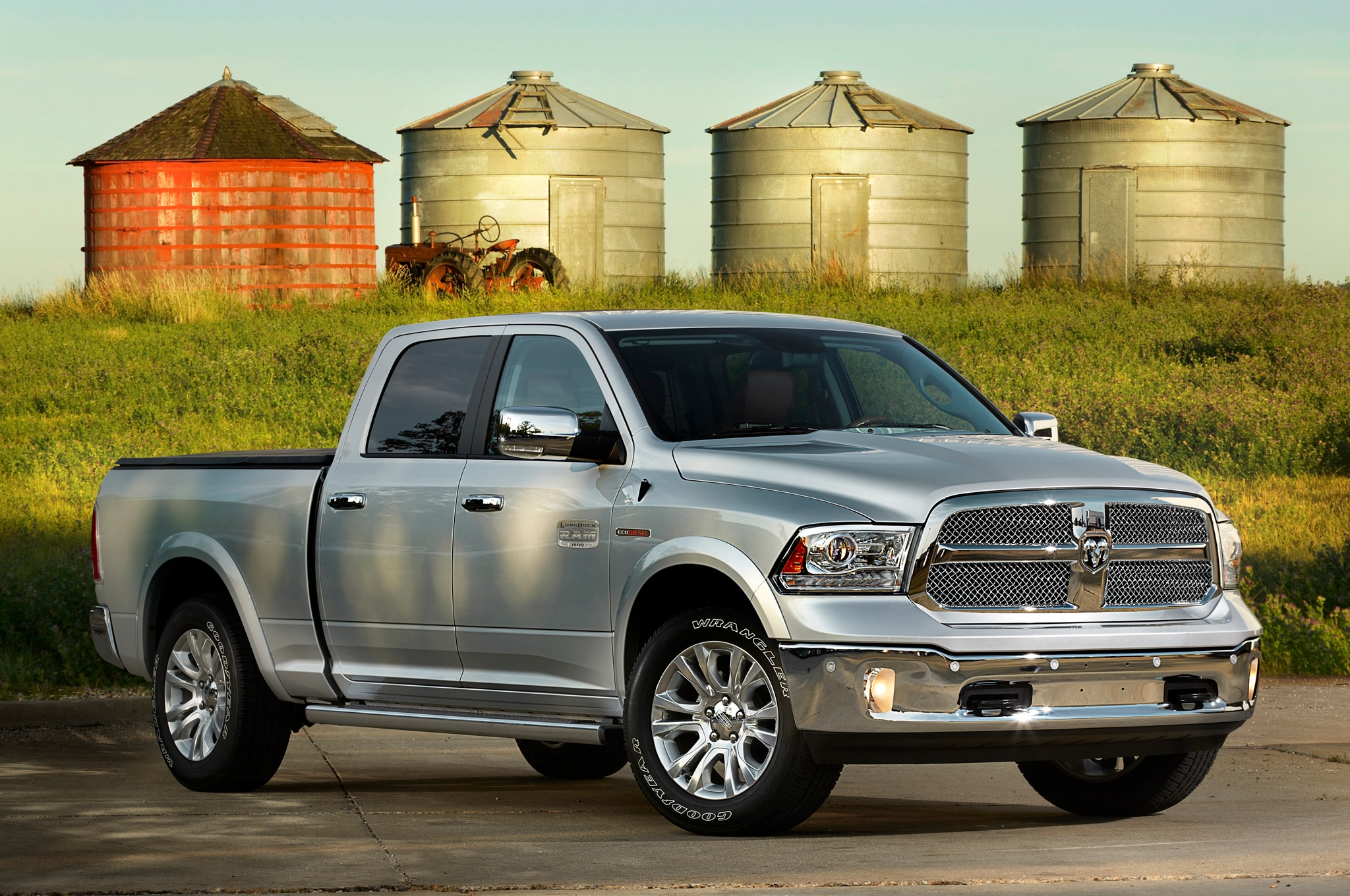 2014 Ram 1500 EcoDiesel Front Three Quarter1