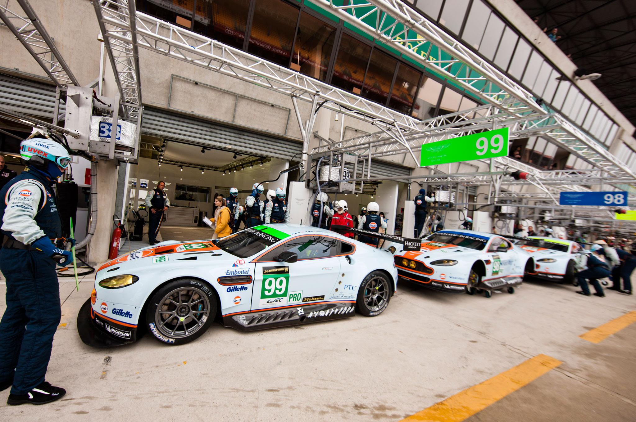 Aston Martin V8 Vantage Le Mans Car Lineup1
