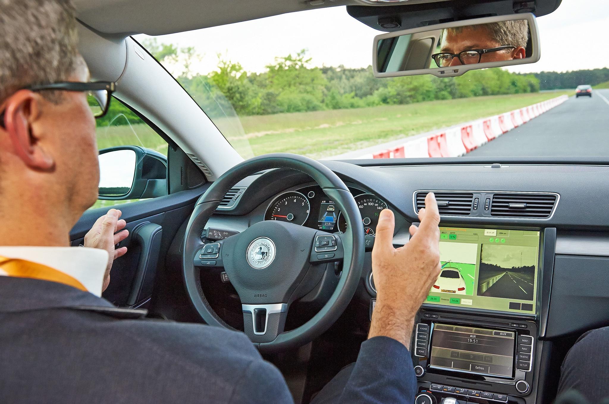 Continental Autonomous Volkswagen Passat Drive Photo 11