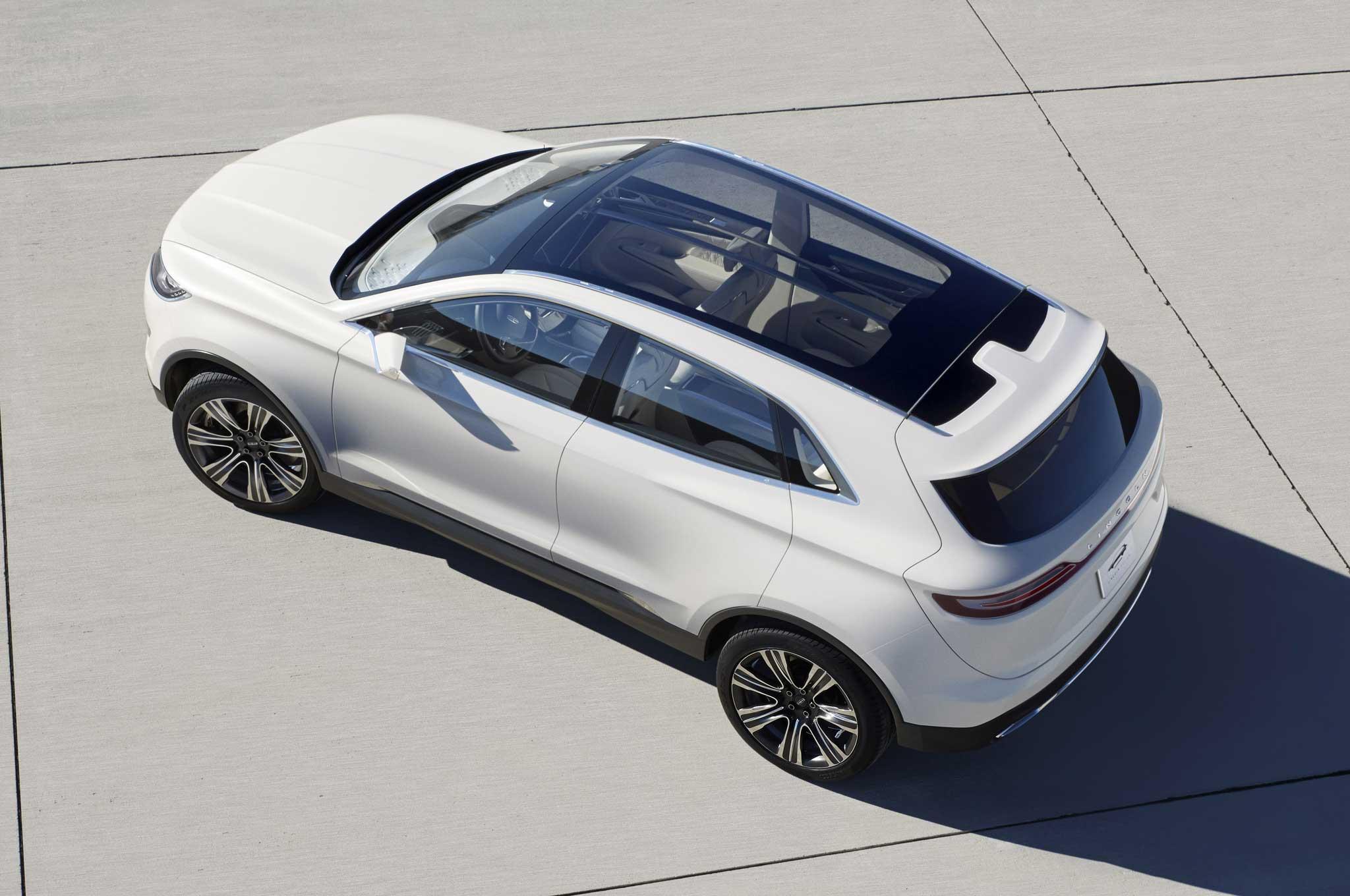 Lincoln MKC Concept Above1
