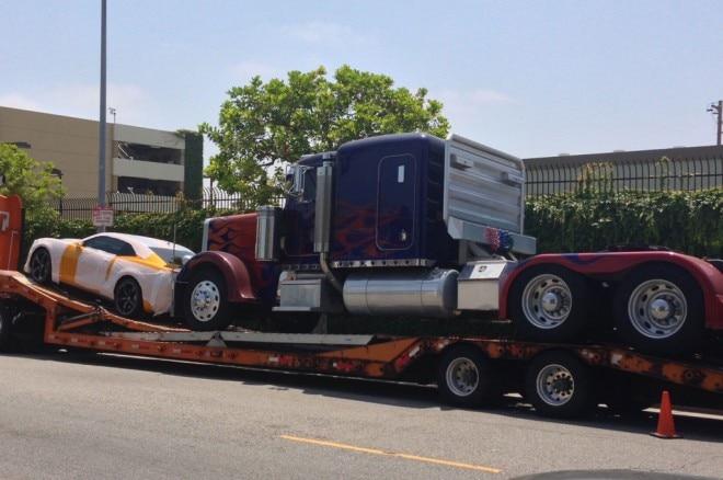 Optimus Prime Bumblebee Studio Truck Rear1 660x438