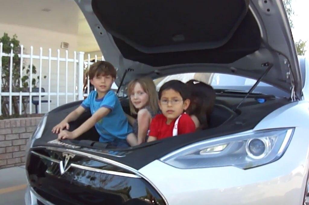 Tesla Model S Kindergarten Class Frunk1