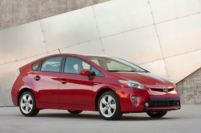 2012 Toyota Prius Right Front Angle1 660x438