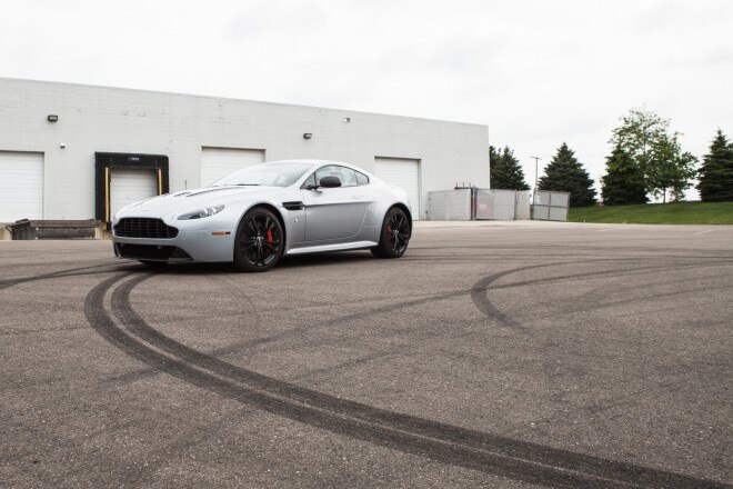 2013 Aston Martin V12 Vantage Front Left Side View 11 660x440