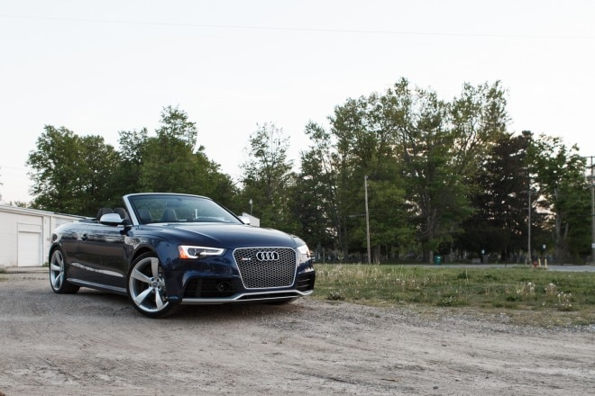 2013 Audi RS5 Cabriolet Front Right View 11 660x440