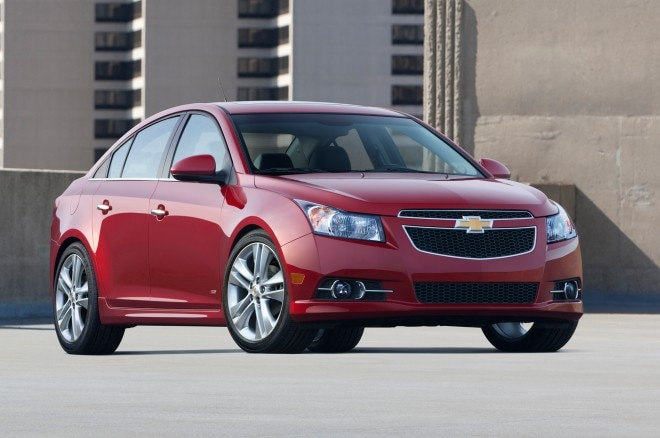 2013 Chevrolet Cruze RS Right Front 11 660x438