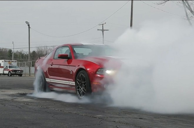 2013 Ford Shelby GT500 Burnout Dragstrip 660x438