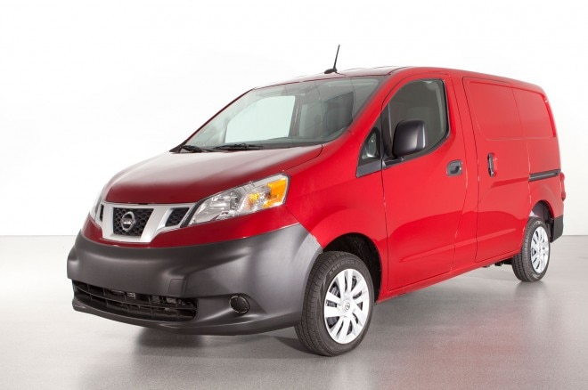 2013 Nissan NV200 Front Left View1 660x438