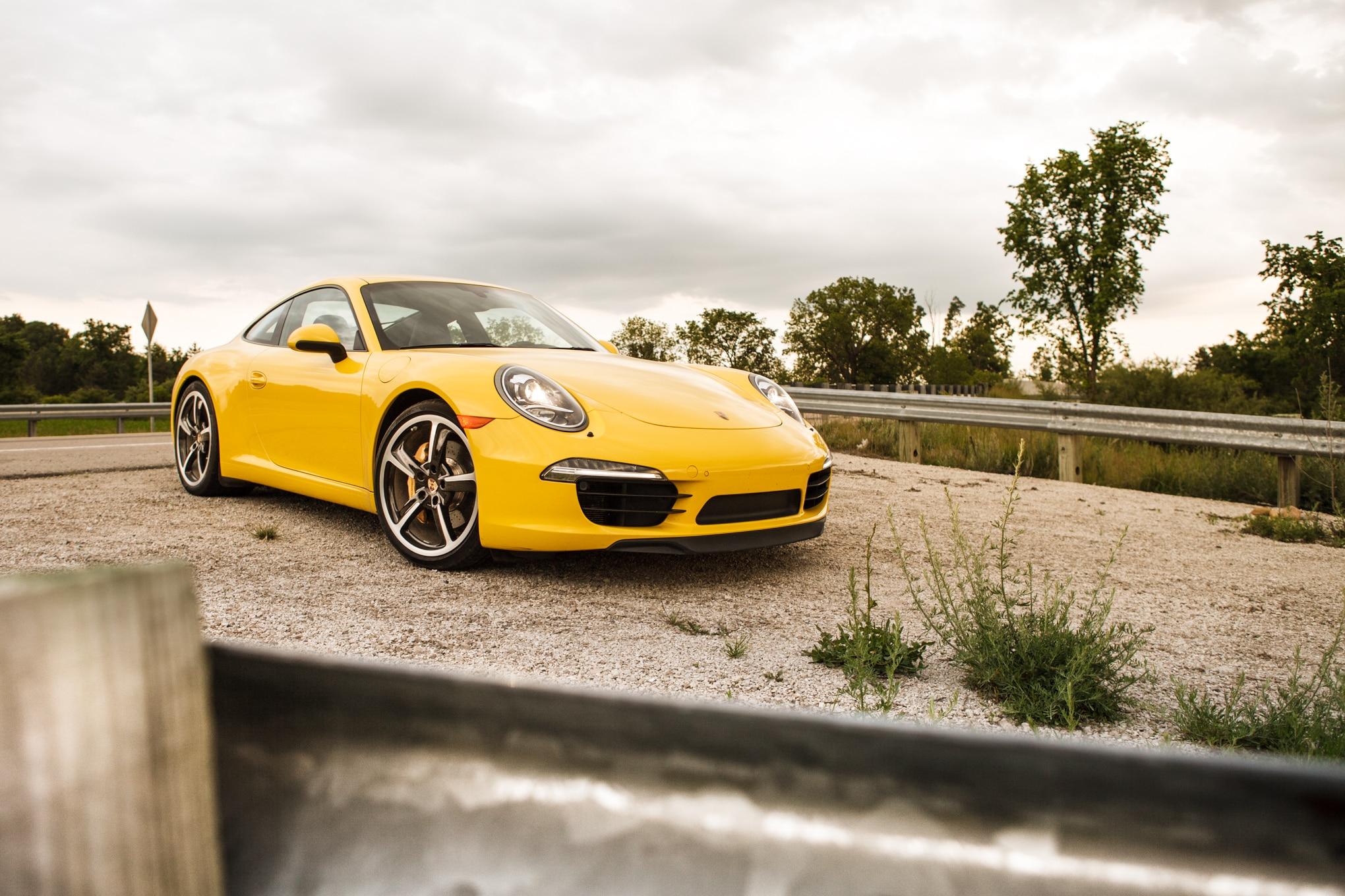 2013 Porsche 911 Carrera S Front Right View 11