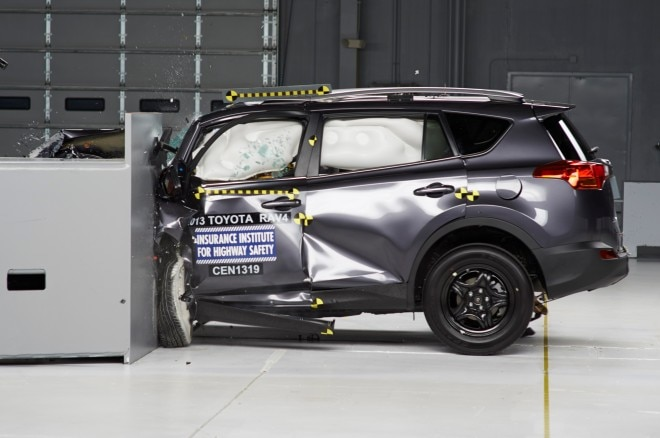 2013 Toyota RAV4 IIHS Profile1 660x438