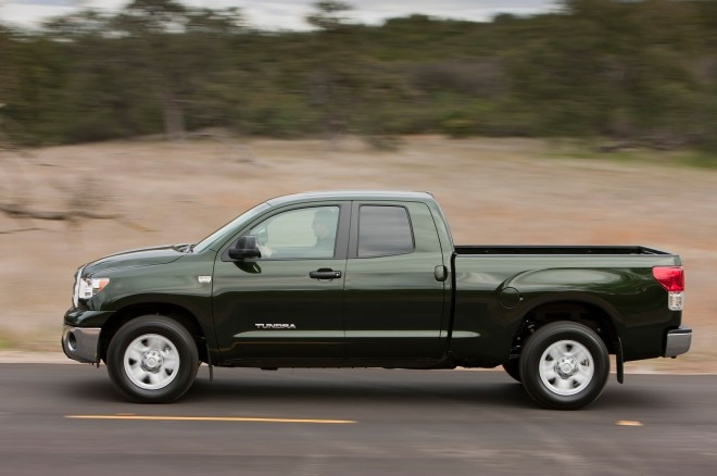 2013 Toyota Tundra Double Cab Side View In Motion 660x438
