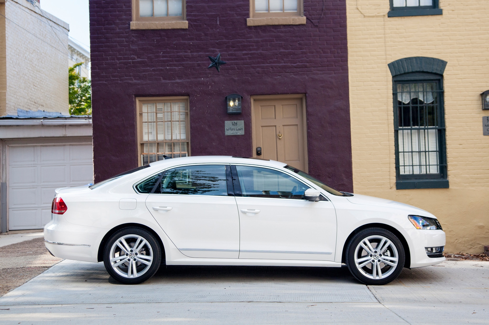 2013 Volkswagen Passat Profile 21