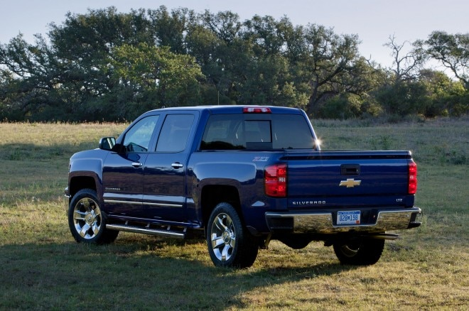 2014 Chevrolet Silverado Left Rear Angle1 660x438
