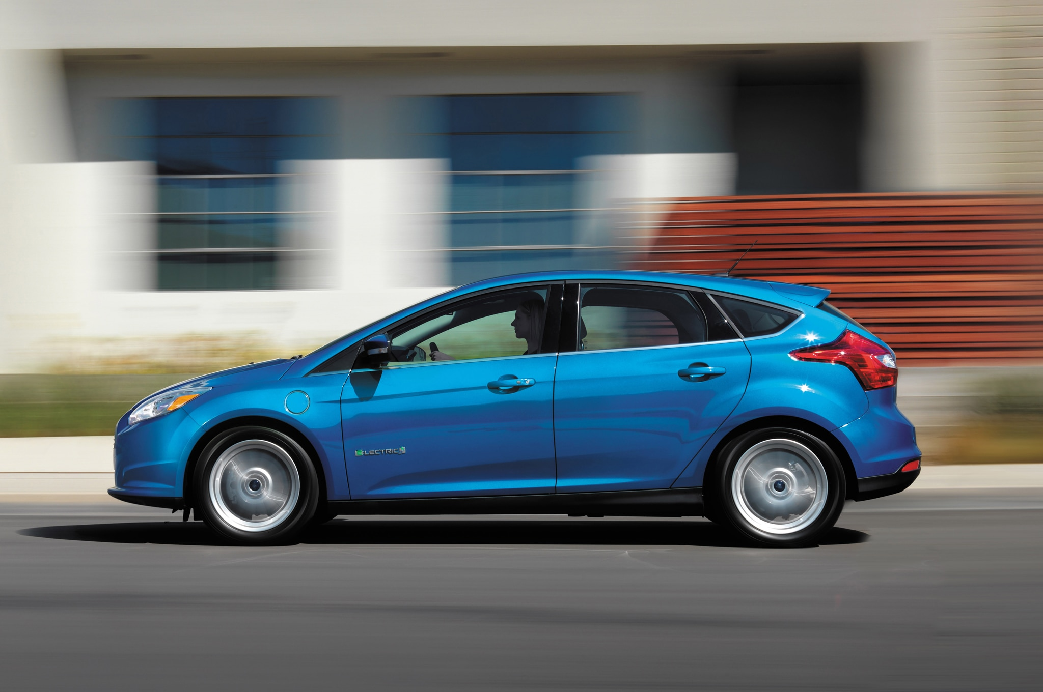 2014 Ford Focus Electric Profile1