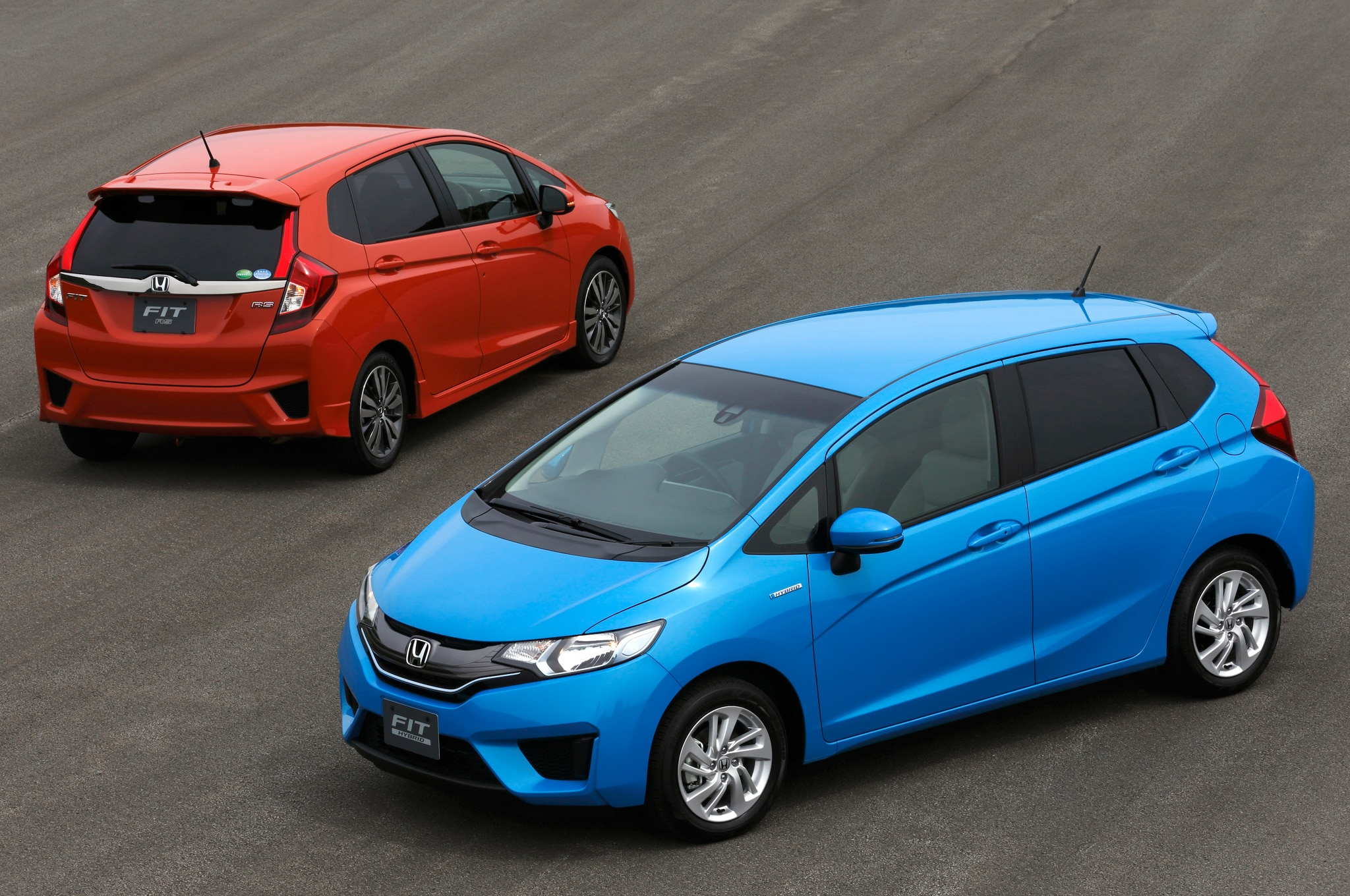2014 Honda Fit Front And Rear Views1