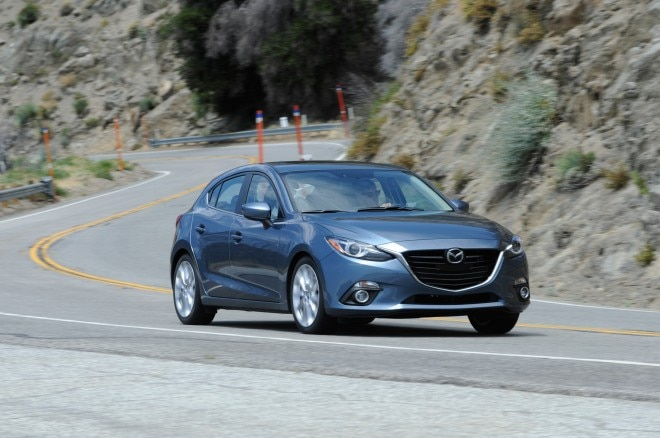 2014 Mazda3 Front Three Quarter Turn 021 660x438